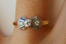 Get in my jewelry box / by Lori Garcia
