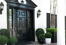 Exteriors / Find outdoor path light, pendant, sconce and lantern inspiration to light up the entryway to your home.