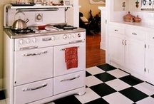 Retro Kitchens / I LOVE retro, vintage, anything with history! I would LOVE to have a retro kitchen!