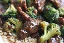 Foodie Favorites / Sharing good food is sharing love. / by Cari DeRoos