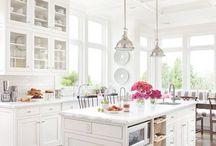 Pretty White Kitchen / by Sina Mizrahi