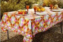 Nos jolies tables / Découvrez l'art de la table Souleiado, inspiré de la Dolce vita provençale.