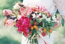 Wedding Flowers: Ideas, Bouqets, Arrangements & Centerpieces