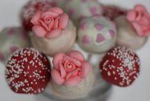 Cake Pops / My New Hobby / by Gwen Cummings