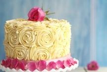 Cake decorating / by Stephanie Tippery