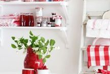 My red and white kitchen / Can't wait to have my red and white kitchen - two more weeks to go! / by Ana Monteiro
