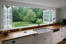 Cocina  :::  Kitchen / Cocina lindas, llenas de luz natural. Limpias... con ventanales y ventanitas, paredes blancas, espacios acogedores, planchones inmensos. Otras rústicas y llenas de historias. Unas pequeñas y prácticas, todas soñadas!!!