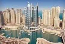 Dubai, Emiratele Arabe / Renumitele cladiri zgaraie-nori cu peste 150 de etaje, blocurile de peste 800 m integrale din sticla si peretii renumitului hotel Burj Al Arab acoperiti cu foite de aur de 22 carate nu mai sunt un mister pentru nimeni, insa luxul din Dubai nu s-a oprit aici, iar traditiile, oamenii si cultura nu inceteaza sa ne surprinda...