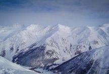 Les Ores, Franta / Les Ores, o staţiune cu mii de locuri de cazare, toate în apropierea pârtiilor, hoteluri imense ce găzduiesc pe parcursul sezonului iubitorii sporturilor de iarnă.  Instalaţiile pe cablu sunt de o mare diversitate, de la telescaune cu 6-8 locuri la teleschiuri care ajung la pârtiile situate la mare altitudine.