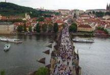 Praga,Cehia / Praga este un oras captivant, un amestec de arta, muzica, film si teatru. Putine orase poseda o astfel de atmosfera si sunt incarcate cu asa multa istorie, opere de arta si arhitecturale atat de magnifice.