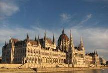 """Budapesta, Ungaria / Capitala Ungariei este un oras incantator si rafinat si datorita amplasarii sale, dar si a monumentelor memorabile, gratie carora si-a castigat numele de """"micul Paris al Europei Centrale"""" si de """"Perla Dunarii""""."""