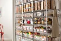 Container Store Elfa closet ideas / I think my secret life is to organize. I wish I were as organized as the people creating these fantastic displays. I have closet envy. Do you too??