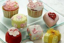 Dainty Cakes