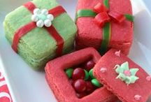 Christmas Cookie Recipes / christmas cookie recipes, christmas cookies, easy cookie recipes, christmas cookies recipes, easy christmas cookies, gingerbread cookie recipe, holiday cookies, christmas sugar cookies, holiday cookie recipes, peppermint cookies, gingerbread cookie recipes, christmas cookie ideas, gingerbread man recipe, best christmas cookie recipes, best holiday cookies, gingerbread house recipe, christmas cookie recipe, easy holiday cookies, snowball cookies, how to make gingerbread cookies / by AllFreeChristmasCrafts