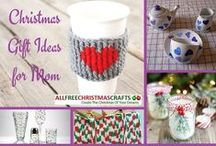 Christmas Gift Ideas for Mom / Mom does so much for us, and Christmas is the perfect time to make heartwarming DIY gifts to show your appreciation. Find homemade Christmas gifts that are inexpensive, creative, and perfect for mommy!