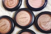 Make-Up Must Haves! / by Kayla Noel
