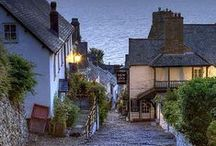 CLOVELLY, NORTH DEVON / Dedicated to this wondefully quaint & picturesque fishing village clinging to the breathtaking cliffs of the north Devon Coast.  Only 10 miles from us here at West Down House.