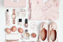 FlatLay / Fabulously clean and inspirational ways of displaying those things you love