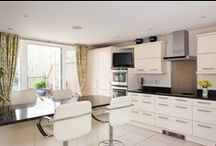Kitchens / Kitchen designs and layouts that catch our eye