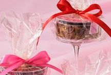 Gifting Guide / Decadent brownies exquisitely dressed up to your preference.