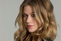 Kelly Clarkson Style Icon