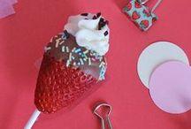 Primavera Fragolosa / Tanti idee per ricette e decorazioni a base di fragole! Scopri sul blog www.supercolors.it le ricette dei dolci complete e scarica gratis i kit da stampare per creare le tue decorazioni