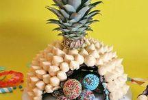 Ananas & Piñatas / Realizza tante colorate idee come la torta sorpresa a forma di ananas, tutta da rompere! Scarica il template per creare la pignatta a forma di ananas e dai vita alle tue feste!