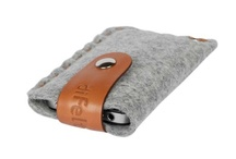 diFeltro Pocket / Merino wool felt iPhone case with soft Italian vegetable-tanned leather strap and snap tab closure at top. Lightweight, water-resistant, and shock-resistant. Ideal to carry in your pocket or purse. Made in Italy.