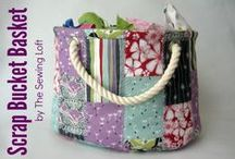 Bags, Purses and Totes to make / by Angela Hayes