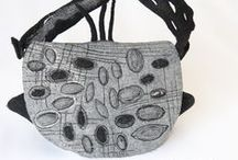 Fiber Art Bags  - Sacs Feutre Art Textile / Ariane Mariane - art textetile / Paris creates high quality women bags in innovant fiber art techniques. Outstanding and one of a kind her bags are sculptures - each one a unique example of contemporary textile art.  Des sacs originaux et uniques pour femmes pour qui la mode est un art. Des sac - sculptures permet de s'affirmer et ajoutent du fun joyeux au quotidien!
