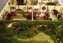 Dollhouses & Miniatures / by Janine (*v*)