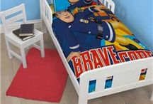 Fireman Sam / He's always on the scene, Fireman Sam! With his engine bright and clean! Fun and colourful bedding and bedroom accessories from everyone's favourite hero - Sam!