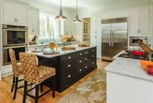 Painted Kitchen Cabinets / Painted kitchen cabinets offer a classic, clean look for your kitchen. From black kitchen cabinets to white kitchen cabinets, your color options are nearly endless with paint. Because of this, painted kitchen cabinets are a great way to add an unexpected, yet stylish touch to your home. To view the many painted kitchen cabinet options from CliqStudios, visit us here: http://www.cliqstudios.com/painted-kitchen-cabinets / by CliqStudios Cabinets