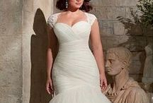 Curvy Bride / All brides are beautiful, including curvy ones. Love knows know size on this, your special day.