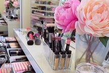 Vanity & Makeup Storage / All those goodies and how to organize 'em.