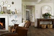 Living/Sitting Room / by Annie Besancon