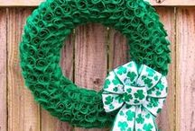 St. Patrick's Day Wreaths / Bring the luck of the Irish to your front door! These St. Patrick's Day Wreaths will add festive green to your home. http://bit.ly/stpatricksdaywreaths