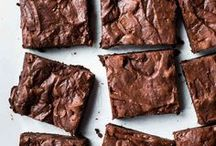 Brownies and Bars / Homemade brownies are so ooey-gooey delicious. Then venture outside the normal brownies and create these delicious brownie recipes.