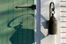 | DOOR |