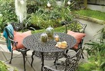 Outdoor DIY Projects / Transform the outdoor spaces around your home with these DIY projects.