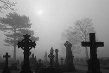 Spooky Travel / Travel with a macabre twist.