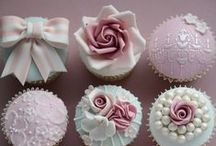 Cupcakes and Macaroon