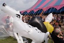 New Sculpture Department - Lowlands 2013 / Up Yours - blow up beelden van NSD (en do-it-yourself)