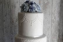 cake decorating / ♥ cake decorating ♥ beautiful, wedding, engagement, birthday, novelty, tiers, 2, 3, 4, 5, gorgeous, flowers, rustic, blooms, white, pink, blue, gold, silver, bows, ribbons, silhouettes, DIY ♥