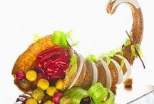 Pièces montées / Votre pièce montée selon vos goûts. Choux à la crème pâtissière, Grand-Marnier, vanille ou chocolat, recouvert d'une fine couche de caramel.