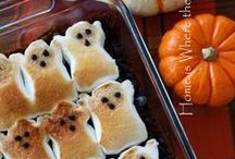 Halloween Ideas with S'mores / This Halloween, find yummy recipes, treats, giftables, DIY projects and costumes using our favorite food group: S'mores!