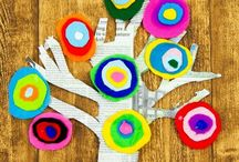 ART:  For the classroom. / Art in the elementary school classroom.