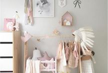 Meisjes kamers / Roze, zwart/wit of lekker fel? Inspiratie voor originele meisjes kamers.