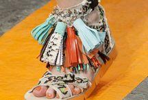 Get on my feet. / by Debbie Genraich