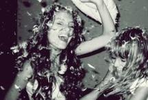 Pyjama Party  / Wer hat sie früher nicht geliebt, die Pyjama Parties mit den besten Freundinnen? Schoki, Schlafanzug und Schnulzen müssen einfach manchmal sein. Die besten Ideen für eine super Pyjama Party haben wir hier zusammengestellt. Pinnt mit uns! |||  The pj-parties with your best girlfriends are still some of the best memories of your childhood? Why not have one again sometime? Put on your pj, invite your girls & stay up all night. Seriously? How much better can it get?